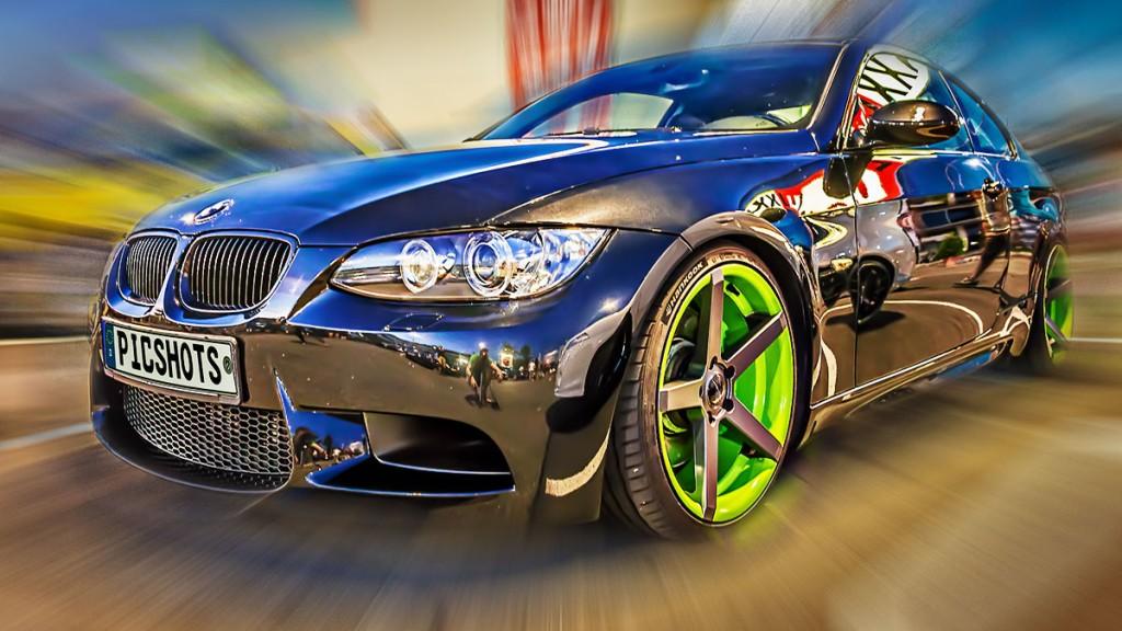 Zoom Effekt in Photoshop bei einem Auto