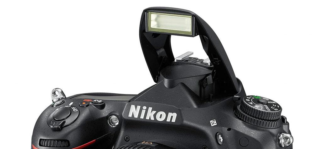 integriertes Blitzgerät der Nikon D750 mit iTTL